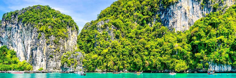 Busque ofertas en vuelos de Madrid a Phuket (MAD-HKT)